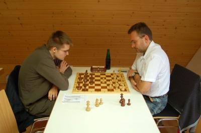 Marc Gustain (li.) gegen Dietmar Herrmann